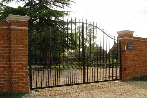 Electric Gates Berkshire - Red Metal Works